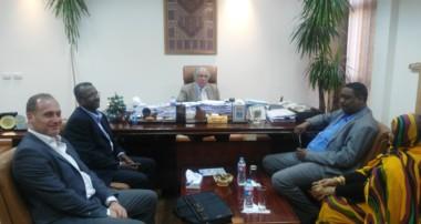 زيارة وزير التنمية البشرية والعمل للخبراء العرب