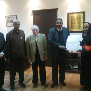 زيارة الدكتور الصادق الهادي المهدي وزير التنمية البشرية – السودان