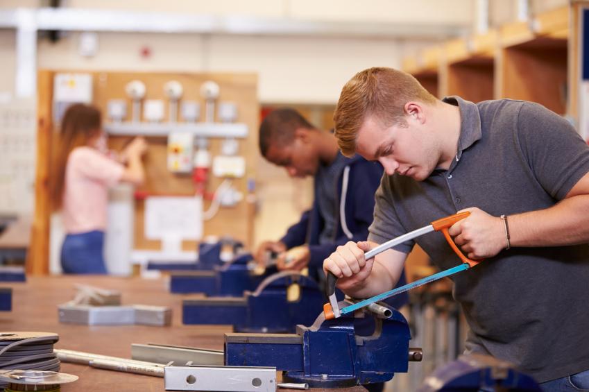 بدءت- تيم مصر – في دراسة تعزيز موائمة التعليم الفني والتدريب المهني لاحتياجات سوق العمل ضمن مشروع إصلاح التعليم الفني والتدريب المهنيTVET II